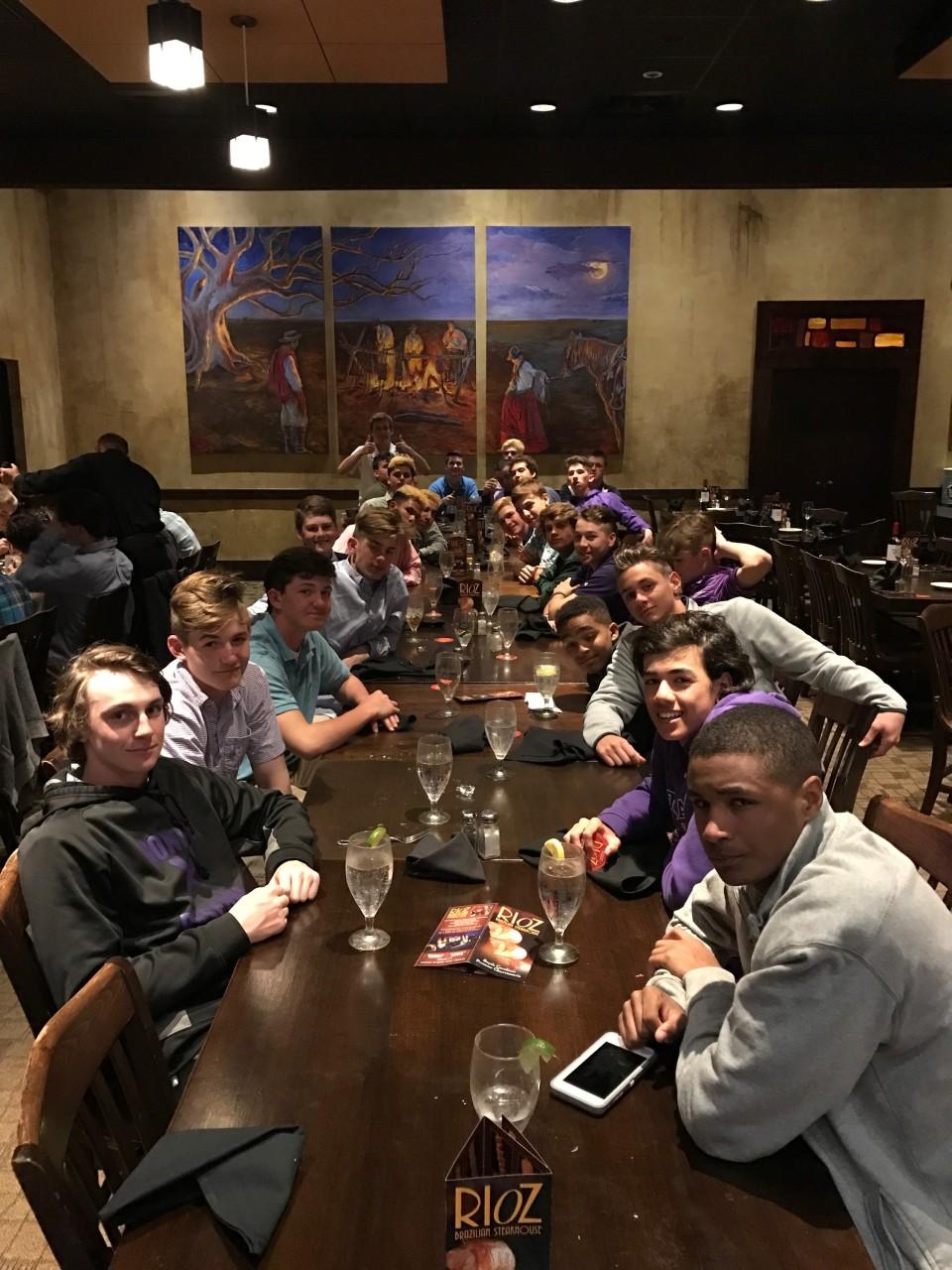 baseball2017-team-dinner.JPG